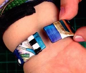 Браслет з обрізків термопластика своїми руками.