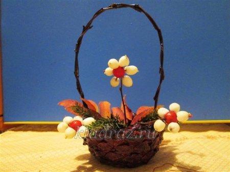 1412944519 12 Виріб із природного матеріалу для дітей. Корзиночка «Дари осені»