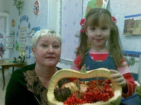 1413131128 osen6 Композиції з овочів та фруктів до свята осені