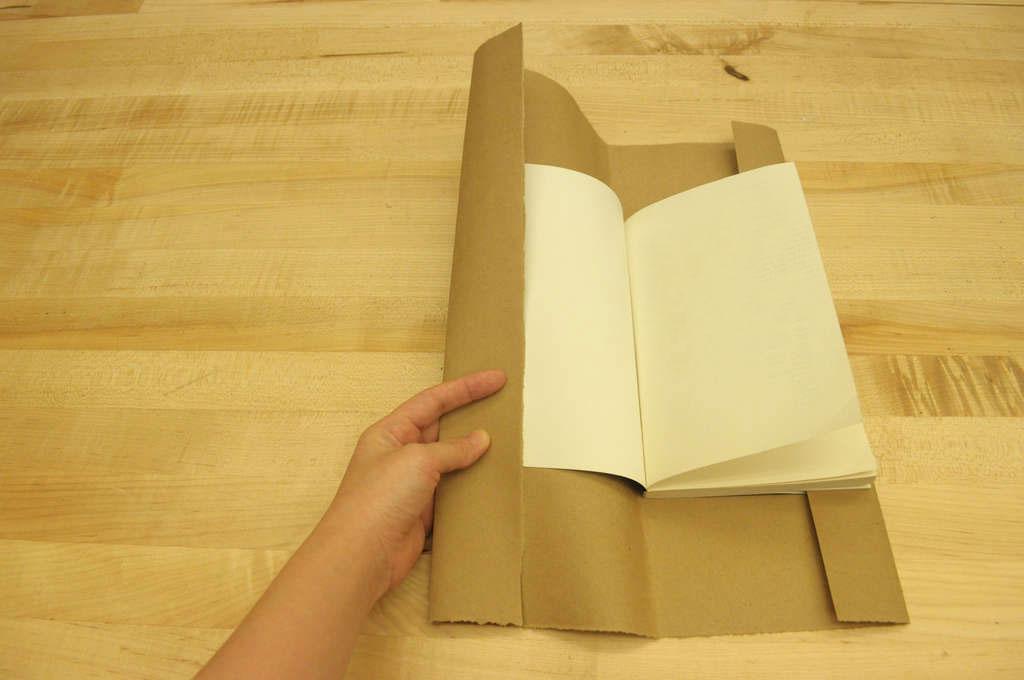Как из цветной бумаги сделать обложку для книги8