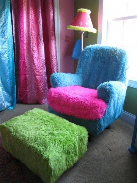 Чарівна хутряна накидка для крісла.