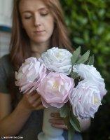 Робимо троянди з цигаркового паперу своїми руками.