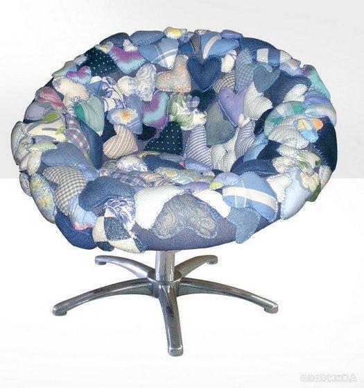 Декор крісла м\якими сердечками