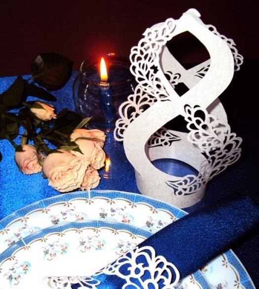 Робимо декор святкового столу до 8 березня своїми руками.