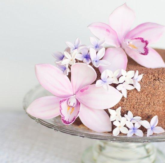 Робимо орхідею з цукрової мастики, для прикраси торта.