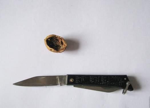 Робимо оригінальні ігольніци з волоських горіхів МК