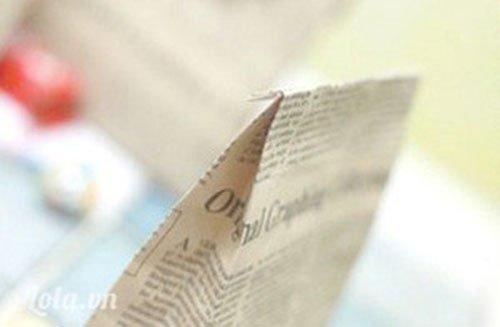 Робимо оригінальний спосіб упаковки подарунка з газети.