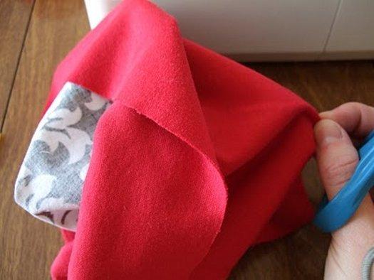 Шиємо гарну подушку у вигляді серця.
