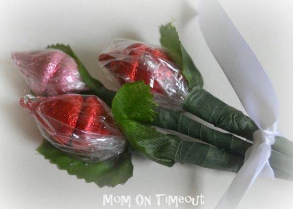 Букет з цукерок у вигляді бутонів, майстер клас.