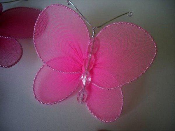 Метелик з капрону і дроту своїми руками.
