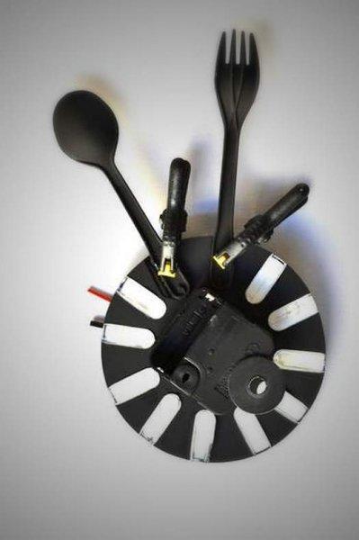 Настінні годинники на кухню з виделок і ложок своїми руками