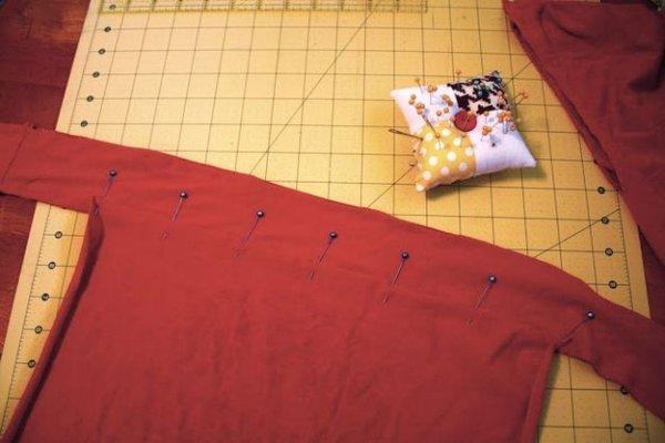 Переробка старих футболок в фартух, докладний майстер клас.