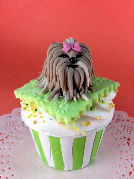 Прикрашаємо торт, собачка з цукрової мастики