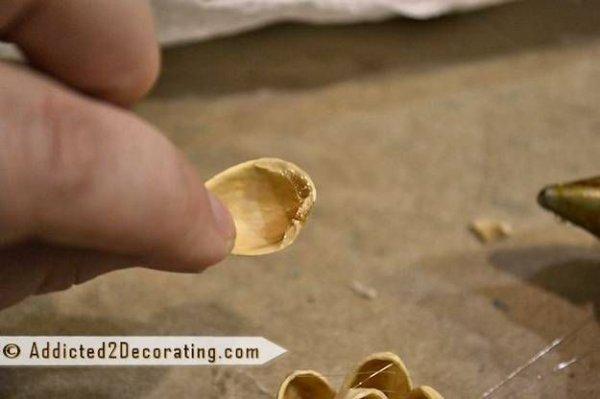 Робимо панно з фісташкових скорлупок своїми руками.