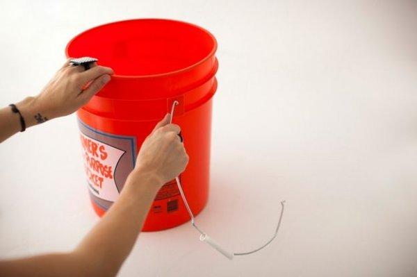 Робимо пуф з пластикового відра своїми руками.
