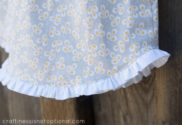 Шиємо дитячий сарафанчик для дівчинки на літо.