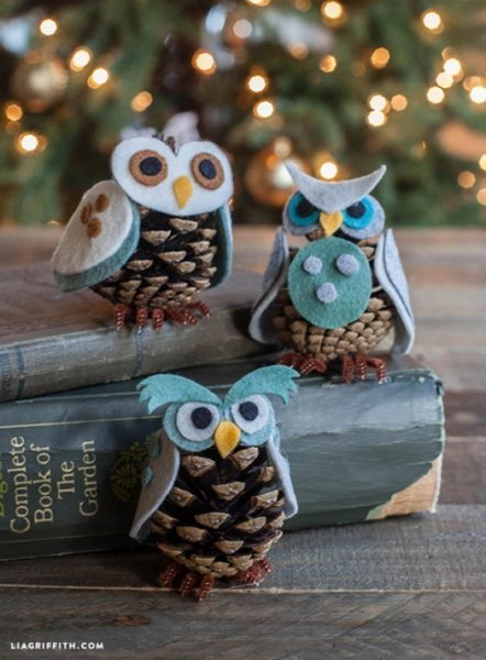 Сови з фетру і шишок: як зробити новорічних пташок?