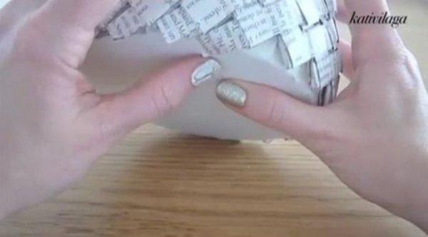 Як зробити кошик з газет, докладний відео мк.