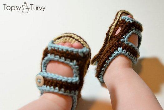 В\язані сандалики гачком для крихти