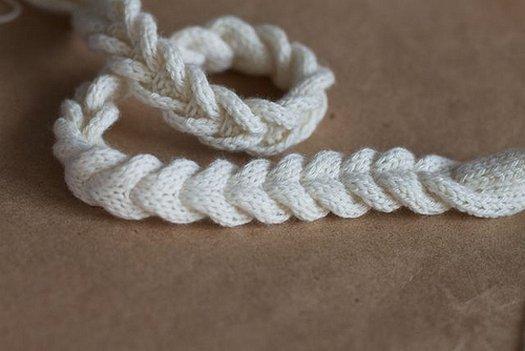 В\язання із залишків пряжі   намисто косичка своїми руками