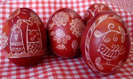 1427216006 prikrashannya yayec na velikden 4 Прикрашання яєць на Великдень: розмальовки на Великдень