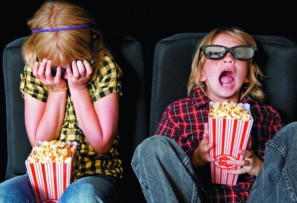 Фільми 2015 року. Список найбільш очікуваних фільмів і серіалів на 2015 рік. У цій статті можна знайти опис фільмів і серіалів, які вийдуть на екран у 2015 році