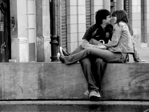 Як закохати в себе хлопця. Особливості відносин: як закохати в себе хлопця