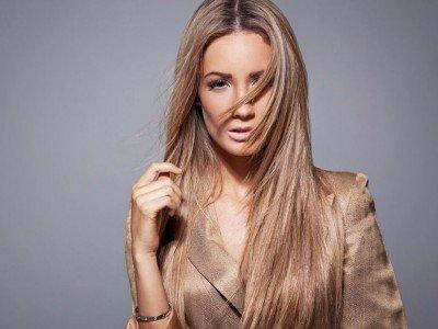 Актуальні жіночі стрижки на довге волосся