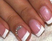 Біогель для натуральних нігтів: зміцнення і красивий манікюр