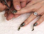 Манікюр з фольгою для нігтів