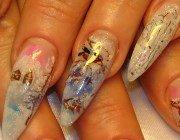 Оригінальний новорічний дизайн нігтів