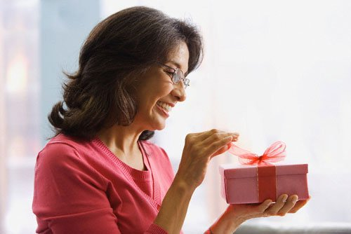 Що подарувати мамі на Новий рік