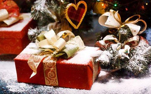 Що подарувати подрузі на Новий рік