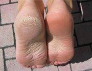 Знайомимося з японськими носочками для педикюру