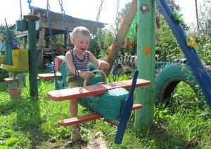 Дитячі майданчики: конструктивні складові, будівництво, ідеї оформлення
