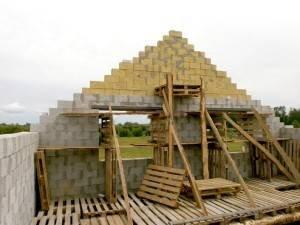 Інструкція виконання монтажу фронтонів і даху своїми руками