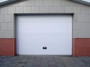 Підйомні, розпашні та секційні гаражні ворота своїми руками