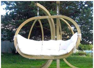 Садові гойдалки: різновиди, ідеї для самостійного облаштування