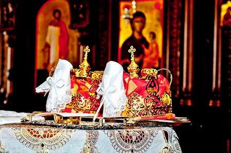 Що дарують на вінчання: традиційні і сучасні подарунки