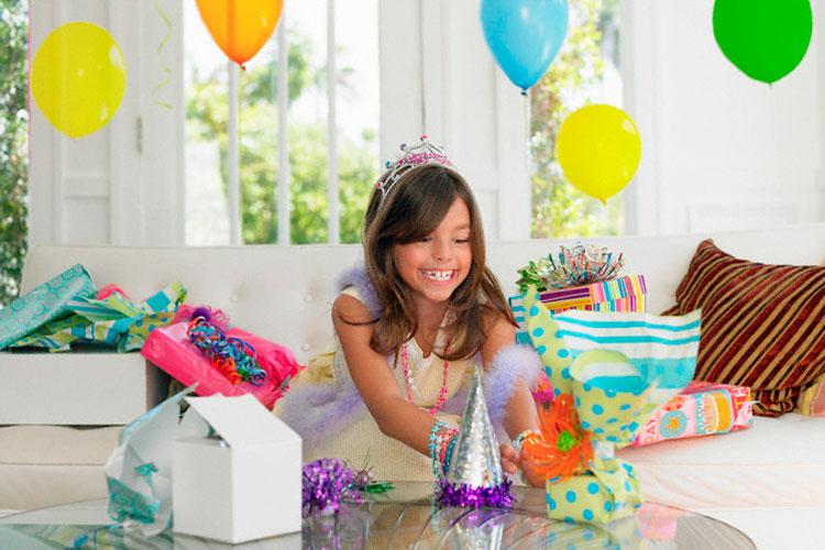 Маленькие подарки на день рождения для девочек 477