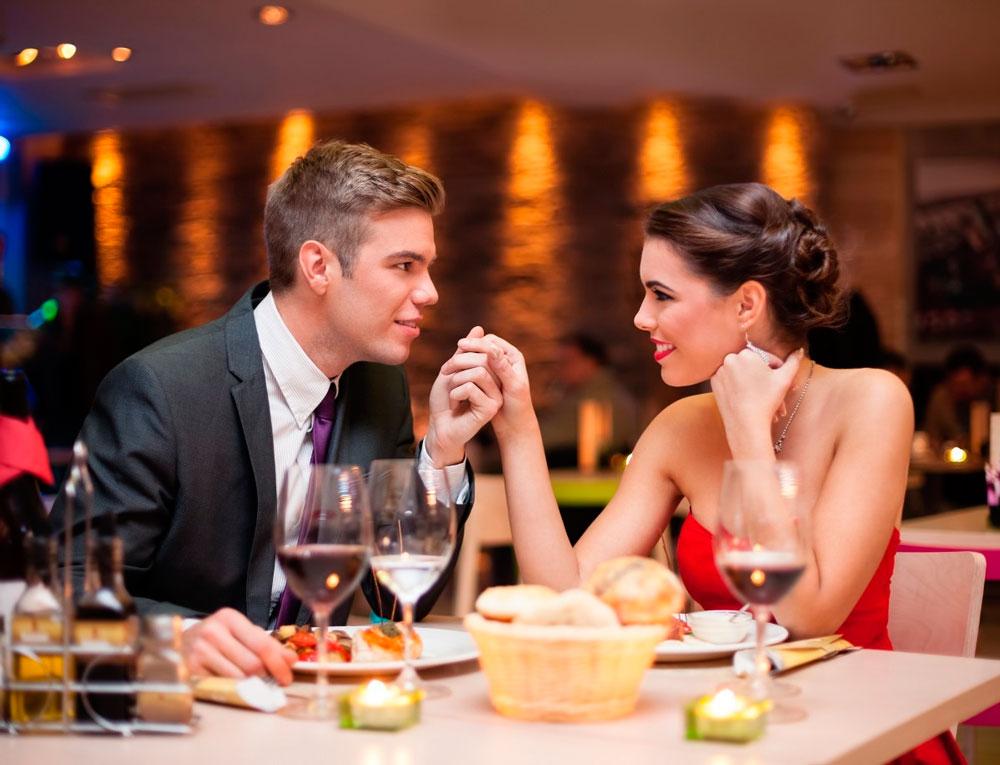Как не нужно фотографировать человека в ресторане решетки выполнены