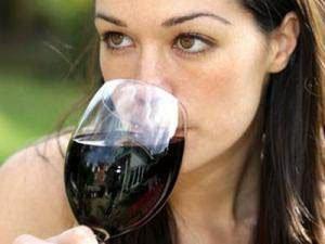 Шкода алкоголю на організм людини, відео. Шкідлива звичка, в обіймах зеленого змія: чим шкідливий алкоголь для підлітків?