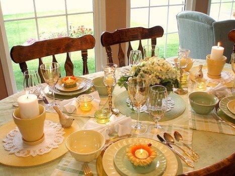 Святковий стіл на день народження