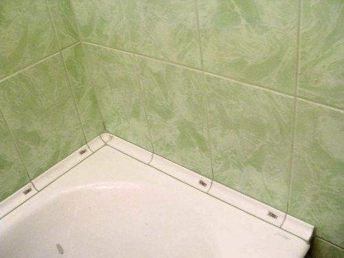 Керамический плинтус для ванной своими руками 6