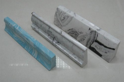 Керамічний плінтус для ванни здатний надати завершеність дизайну ванної кімнати