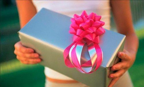 Що подарувати дівчині на день народження 22 роки
