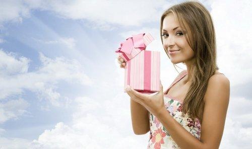 Що подарувати коханій дівчині чи дружині – найоригінальніші ідеї