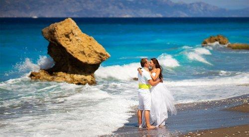 Що подарувати на коралову весілля 35 років: батькам, друзям, сестрі