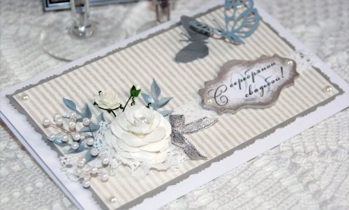 Що подарувати на срібне весілля 25 років: недорого, батькам, друзям