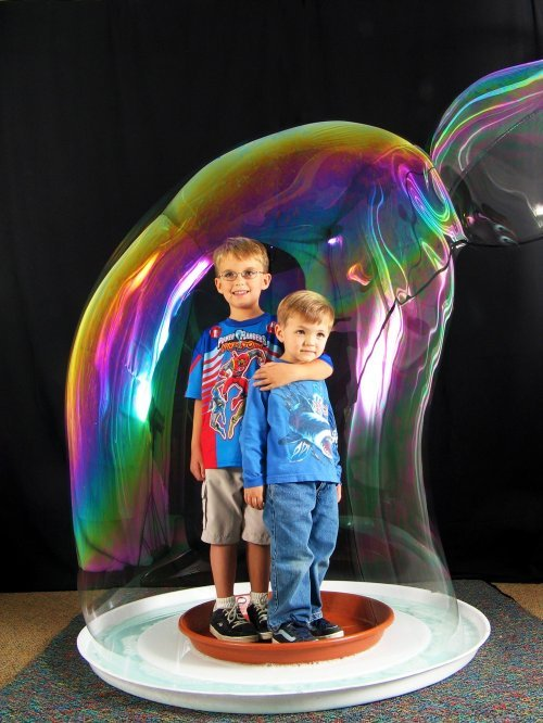 Шоу мильних бульбашок на дитяче свято — огляд послуг: